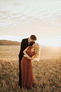 Natthaya Beatty Photography, Utah engagements, Antelope Island Engagements, Engagement photos outfit ideas, Golden Hour, Utah Photographer, Mountain engagements, Field engagements, Utah Weddings, Long flowy dress