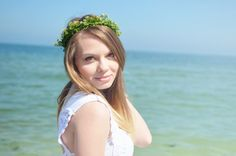 The Lovely Darlings: Loving the sea, all white, flower crown, sea, beach outfit, fairytale , blonde, ombre hair, hairstyle, floral headband, white dress, crochet, denim shorts