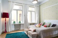 Great bright colors in white bedroom | Oikotie - Helsinki - Finland