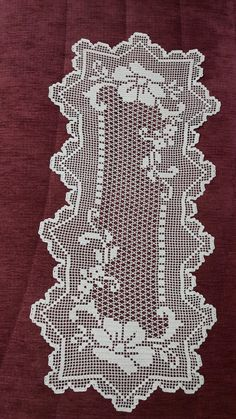 How to start your own crochet business and how to sell my crochet items - Crochet Filetideiasfelizesdeco rendas e crThis Pin was discovered by HUZ Filet Crochet Charts, Crochet Cross, Thread Crochet, Crochet Lace, Crochet Table Runner Pattern, Crochet Doily Patterns, Crochet Tablecloth, Pinterest Diy Crafts, Crochet Dollies