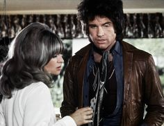 Warren Beatty with one of his goofy hairdos he had in the film Shampoo (1975) - that's Julie Christie (who was his main squeeze then) opposite him. Goldie, Carrie Fisher and Lee Grant were in this one also.