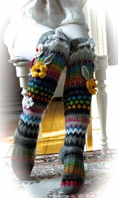 Ankortit: Kirjoneulesukkia Crochet Leg Warmers, Crochet Socks, Knitting Socks, Crochet Stitches, Crochet Baby, Knit Crochet, Crochet Patterns, Thigh High Socks, Wool Socks