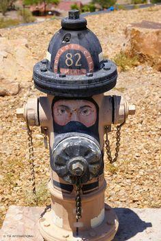 fire hydrant graffiti,hydrant art