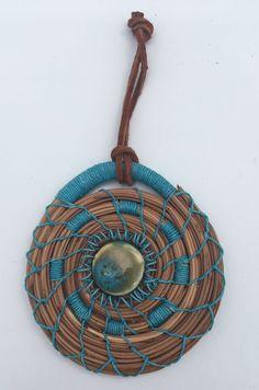 Jewelry Crafts, Jewelry Art, Jewellery, Textiles, Pine Needle Crafts, Eggshell Mosaic, Pine Needle Baskets, Rustic Crafts, Pine Needles
