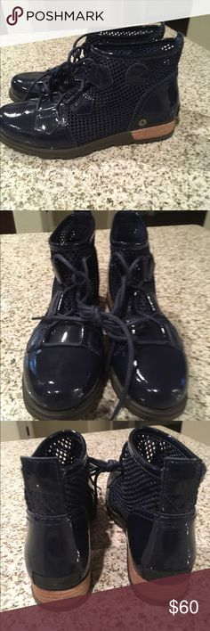 Sorel Anthropologie major low navy patent boots 7 Tie closure Patent leather and synthetic mesh upper Synthetic insole, sole Imported Brand new without box as shown Sorel Shoes Ankle Boots & Booties