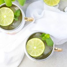 An Irish Mule is made with Jameson whiskey, freshly squeezed lime and ginger beer topped with a lime slice! Oreo Pudding, Pudding Cookies, Cocktail Recipes, Cocktails, Drinks, Beverages, Parmesan Asparagus, Boiled Vegetables, Mint Oreo