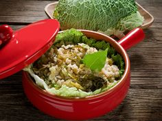Perfect for a cold winter night or a holiday like Thanksgiving, this hearty casserole created by Justin Simoneaux at San Francisco's Boxing Room does the South right with shreds of cabbage and ground beef. Cabbage Rice, Cooked Cabbage, Cabbage Casserole, Casserole Dishes, Casserole Recipes, Parmesan, Rice Recipes, Healthy Recipes, Cabbage Recipes