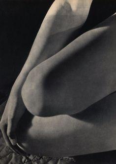 Pierre Jahan Woman Knees Paris 1948, Etudes de Nus Vintage HelioGravure