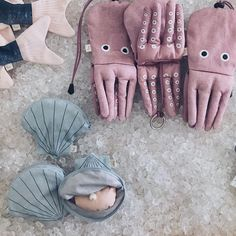 ¡Grumetes, mañana es el día! Os esperamos a partir de las 12h en el precioso @hotelbrummell de Barcelona 💫 ¡Estrenaremos nuestra nueva pescadería y tenemos muchas ganas de que la veáis! Llevaremos todas las capturas 🐟#BrummellMarket #DonFisher #pescalobonito #iceicebaby Sewing Toys, Sewing Crafts, Sewing Projects, Don Fisher, Homemade Toys, Cute Toys, Fish Art, Kids Bags, Soft Sculpture