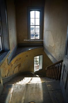 Architecture Old, Architecture Details, Diwali Lamps, Stone Stairs, Historic Properties, Old Buildings, Mobile Home, House Interiors, Writing Inspiration