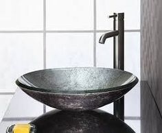 Vessel versus Pedestal Sinks and the Pros and Cons of Each - http://www.homeadditionplus.com/bathroom-info/Vessel_vs_Pedestal_Sinks.htm