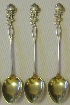 My Mummu has these! Ruusulusikka <3