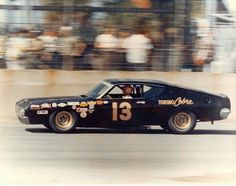 Bobby Unser in Smokey Yunick's 1969 Torino Talledega Real Racing, Auto Racing, Nascar Racers, Ford Stock, Classic Race Cars, Ford Torino, Old Race Cars, Vintage Race Car, Cool Cars