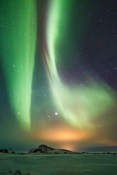 Parallel aurora in Mývatn, north Iceland