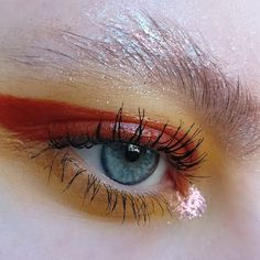 i was so in love with @callmepolza 's glitter soap brow, i just had to recreate it   I used:  × @limecrimemakeup diamond crusher in 'trip', 'lit' and 'cheap thrills' and venus II palette in 'mud' and 'mustard'  × @essence_cosmetics lipgloss in 'behind the scenes'  × @sugarpill eyeshadow in 'butter cupcake' × @maybelline lash sensational mascara    #makeup #limecrime #essencecosmetics #sugarpill #mua #motd #aesthetic #gloss #editorial #glitter #glittermakeup #lashes