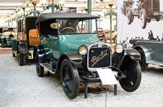 LaBerliet type VLest automobile de gamme moyenne produite pendant la période de déconfiture d'après-guerre du constructeurBerliet. Outre des problèmes financiers graves, la réputation de fiabilité de Berliet est entachée par des problèmes de qualités dues aux difficultés d'approvisionnement en ...