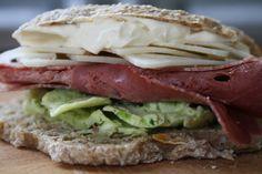 Fra jord til bord: Surdeigsrundstykker Frisk, Sandwiches, Paninis