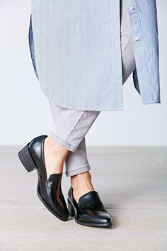 Vagabond Marja Pointy Loafer - Urban Outfitters