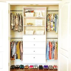 Transform your home with a dream closet! Modular Closet's design team will help you build the perfect closet system. Our closets are made from high quality wood and are easy to install. Diy Closets, Bedroom Closet Storage, Closet Drawers, Modular Closet Systems, Modular Closets, Make A Closet, Diy Holz, Closet Designs, Closet Organization