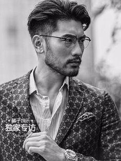 Godfrey Gao Photo: Godfrey for Juzi Entertainment Asian Man Haircut, Asian Men Hairstyle, Asian Hairstyles, Men's Hairstyles, Asian Glasses, Gq Mens Style, Male Style, Men's Style, Godfrey Gao