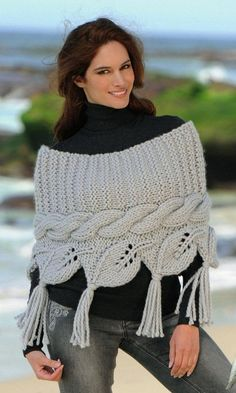 Irish lace, crochet, crochet patterns, clothing and decorations for the house, crocheted. Poncho Knitting Patterns, Arm Knitting, Knitted Poncho, Knitted Shawls, Knitting Designs, Form Crochet, Knit Crochet, Crochet Cape, Handarbeit