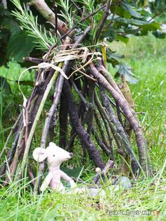 We love making dens with the kids - there's something so satisfying about building a shelter in the woods. A great way to introduce kids to the skills and techniques needed for den building is to make Forest School Activities, Nature Activities, Garden Crafts, Garden Projects, Garden Ideas, Fairy Crafts, Shelters In The Woods, Fairy Village, Fairy Doors