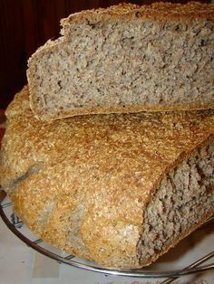 Vollkornbrot - Dense Bread in Northern Europe Pear Recipes, Cake Recipes, Cooking Bread, Cooking Recipes, Pear Bread, Banana Bread, Pineapple Bread, Pear Cake, Food Cakes