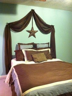 "cute DIY/inexpensive ""headboard"""