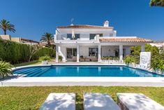 Mediterranean villa for sale near the beach of Puerto Banus, South of Spain #villa #sale #nuevaandalucia #puertobanus #beach #property