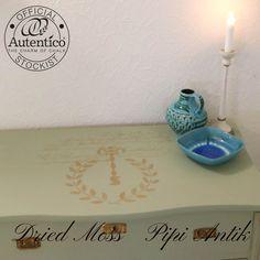 Guld stencil motiv på kommode Autentico kalkmaling