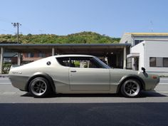 Nissan Skyline 2000, Skyline Gtr, Tuner Cars, Jdm Cars, Dodge Polara, Classic Japanese Cars, Classic Cars, Mitsubishi Cars, National Car