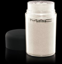 MAC Vanilla pigment great as a cheek highlighter and for the corner of your eyes
