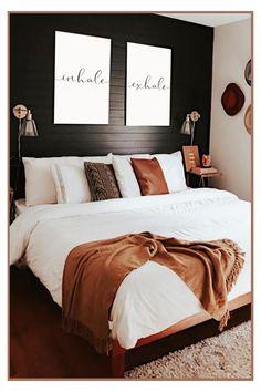 Room Ideas Bedroom, Small Room Bedroom, Home Decor Bedroom, Small Rooms, Cozy Master Bedroom Ideas, Western Bedroom Decor, Black Bedroom Decor, Black Wall Decor, Modern Bedroom