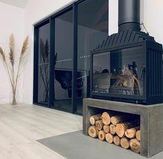Best Pic wood burning Fireplace Hearth Thoughts Fantastic Screen freestanding Fireplace Hearth Strategies A fireplace hearth is the significant p Concrete Fireplace, Fireplace Hearth, Concrete Tiles, Concrete Design, Fireplace Design, Mini Chalet, Freestanding Fireplace, Concrete Furniture, Wood Burning Fires