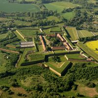 Small fortress in Terezin was build between 1780-90 by Josef II During World War II was serving as a prison for Nazi Gestapo Join us for the half day trip there - book now on our website !