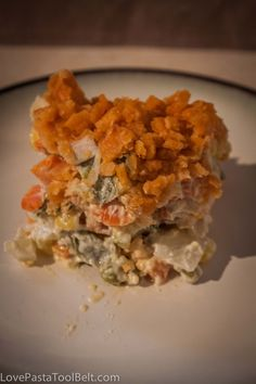 Mixed Vegetable Casserole - Thanksgiving Favorite- Love, Pasta, and a Tool Belt (I use ritz crackers instead of cheezits Mixed Vegetable Casserole, Veggie Casserole, Casserole Dishes, Broccoli Casserole, Casserole Recipes, Side Dish Recipes, Vegetable Recipes, Vegetarian Recipes, Cooking Recipes