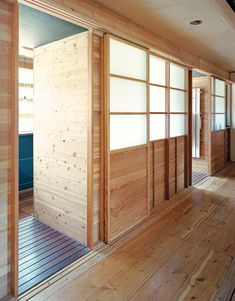 Shoji screens are used everywhere from George Nakashima's Reception House to actor Vincent Kartheiser's tiny Hollywood bungalow, and they remain a time-tested way of allowing light in and keeping clutter behind the scenes. Here are 10 clever ways to show some shoji style.