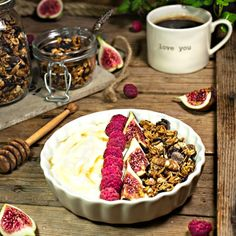 Granola Granola, Acai Bowl, Cereal, Breakfast, Food, Vegan Baking, Oatmeal, Cauliflower, Health