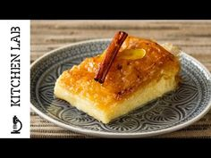 Greek Custard Pie - Galaktoboureko by Greek chef Akis Petretzikis. An authentic traditional Greek recipe with a creamy custard filling between crunchy phyllo! Greek Sweets, Greek Desserts, Köstliche Desserts, Greek Recipes, Delicious Desserts, Dessert Recipes, Custard Pies, Custard Desserts, Pudding Desserts