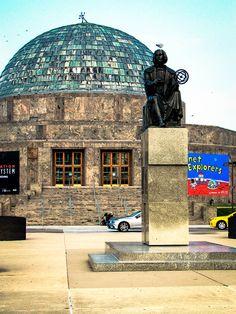 Planeterium, Chicago, by Sue Scimeca