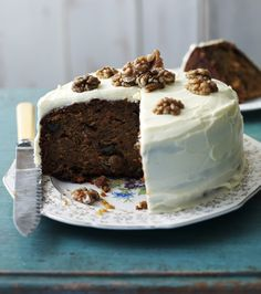 This is a foolproof, easy and superbly delicious carrot cake recipe. Topped with cream cheese frosting, its a winner
