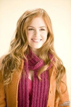 Rebecca Bloomwood (Isla Fisher) ~ Confessions of a Shopaholic ~ Publicity Still Confessions Of A Shopaholic, Isla Fisher, Redhead Girl, Warm Autumn, Fair Skin, Pretty Woman, Hair Goals, Red Hair, Redheads