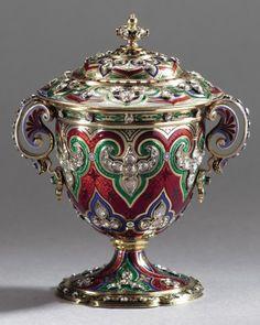 Vintage Russian Presentation 88 Silver Beaker Vivid Green Guilloche Enamel Elegant In Style Antiques