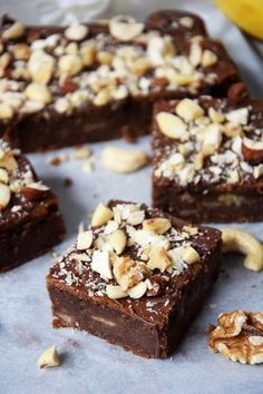 fit brownie with bananas - Fit Sweet Desserts, Sweet Recipes, Cake Recipes, Dessert Recipes, Vegan Sweets, Healthy Sweets, Vegan Desserts, Sweets Cake, Healthy Cake