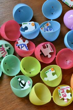 Puzzle Piece Easter Egg Hunt | Easter Egg hunt ideas
