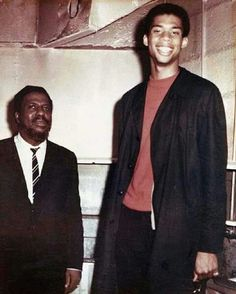Legendary jazz pianist Thelonious Monk with Lew Alcindor (later Kareem Abdul-Jabbar) in March of This pic was taken at The Village Vanguard, a famous jazz club in New York City. The basketball great was a freshman at UCLA at the time. Strong Black Man, Black Men, First Class Hotel, A Love Supreme, Hattie Mcdaniel, Thelonious Monk, Kareem Abdul Jabbar, Miles Davis, Jazz Musicians