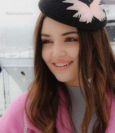 Şapka da yakisiyo yaa..* E ben senin en iyi hayranının yaniiiiiiiii Beautiful Girl Image, Beautiful Moments, Turkish Beauty, Indian Beauty, Beautiful Celebrities, Beautiful Actresses, Profile Picture For Girls, Stylish Girl Pic, Cute Girl Photo