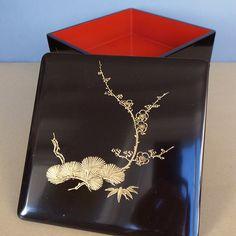 Japanese vintage Wajima Chinkin 輪島塗  沈金 / Jubako 重箱 Gold Inlaid Lacquerware Festive Bento Lunch box 2 tier Pine Bamboo Plum 松竹梅 by PineBook on Etsy