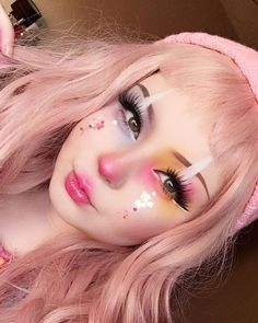 Read more about makeup looks . - Read more about makeup looks Clown Makeup Pretty Les Clown Makeup Pretty, Edgy Makeup, Halloween Makeup Looks, Makeup Art, Pastel Goth Makeup, Makeup Ideas, Lolita Makeup, Eyeshadow Makeup, Cosplay Makeup