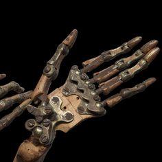 Life-Sized Skeletal Artist Model /Mannequin :: Obsolete #mecha – https://www.pinterest.com/pin/108930884716084076/